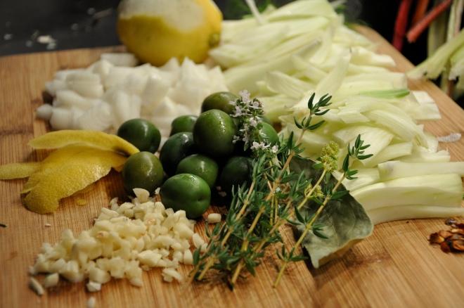 Fennel, olives, onions, thyme, garlic, lemon