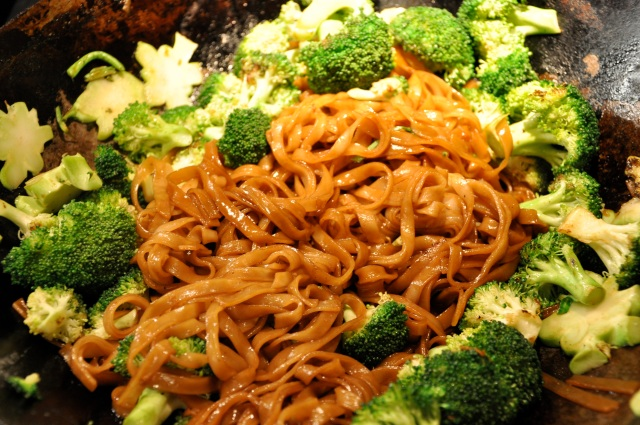 Stirfry the noodles and broccoli