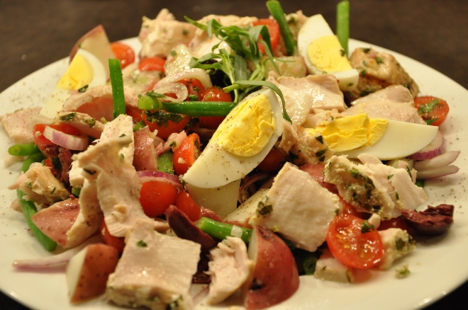 Tuna Nicoise Salad with Fresh Tuna