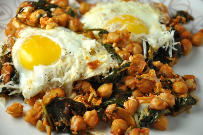 Chickpea, Spinach and Tomato with a Fried Egg on Top